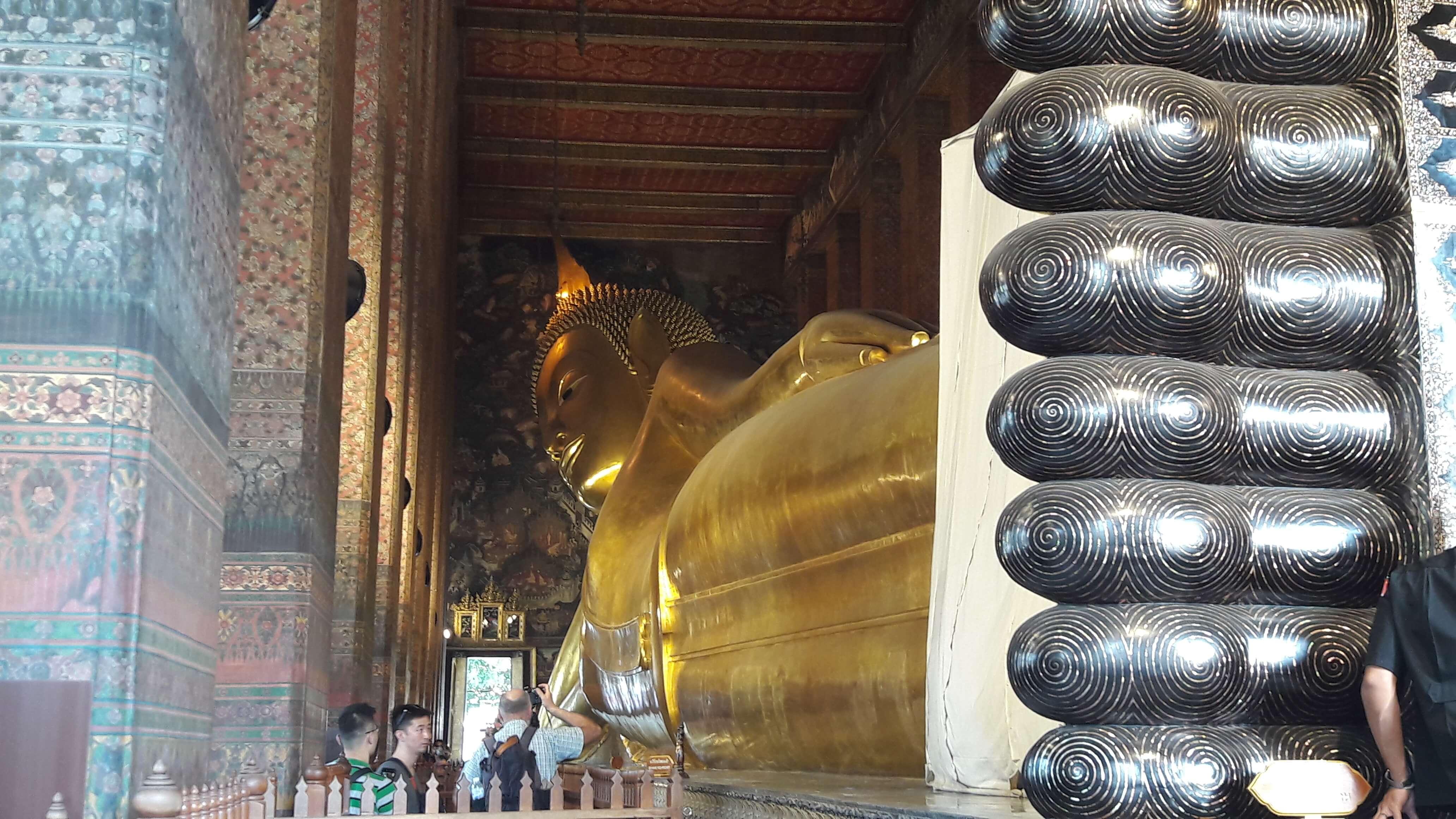 buddha sdraiato bangkok