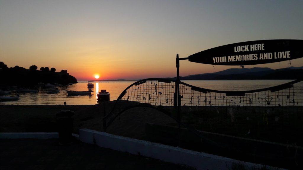 sithonia toroni tramonto