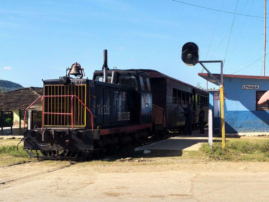 valle de los ingenios, treno a vapore